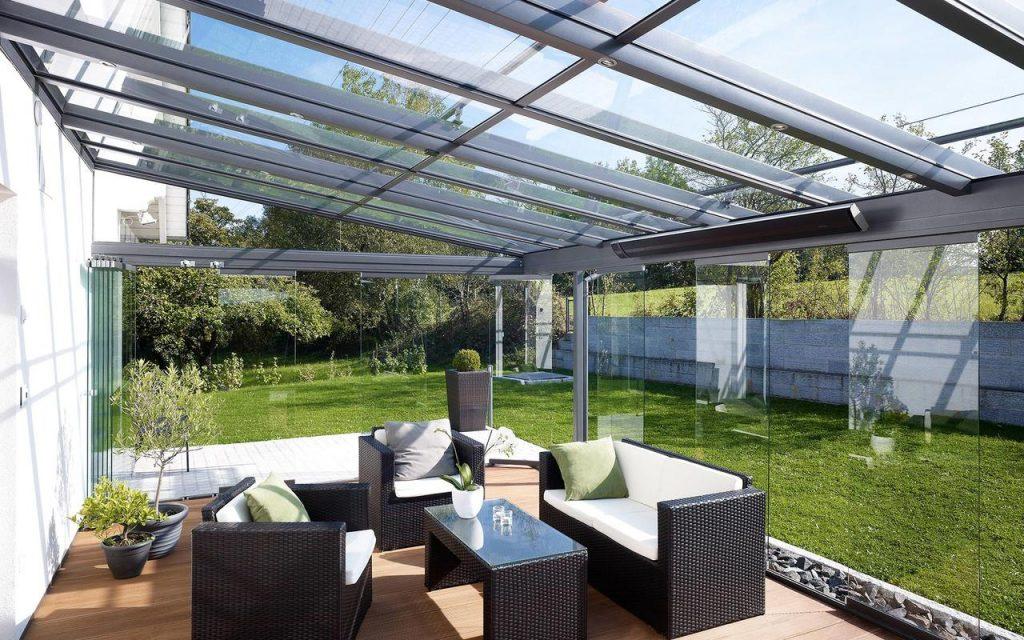 Terrassendach von Solarlux über absolut sonnenschutz
